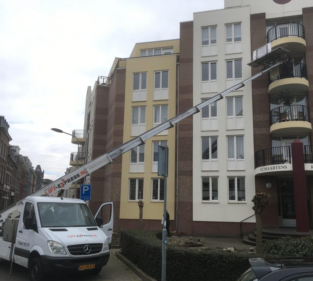 Verhuislift Maastricht Sint Maartenslaan Umzugslift